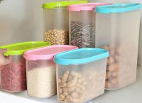 Food in airtight containers