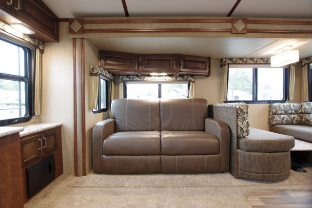 2016 Outback 326RL Interior Photo