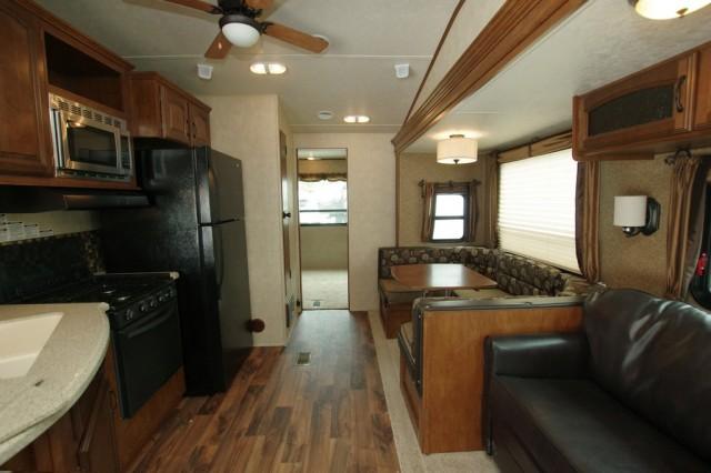 2016 Wildwood DLX 402QBQ Interior Photo