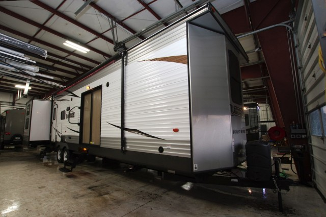 New 2016 Forest River Wildwood Lodge T404x4 Park Trailer For Sale Wi6347