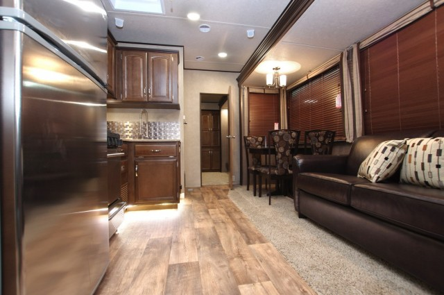 2016 Wildwood Lodge 404X4 Interior Photo