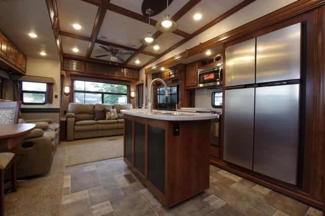 2016 Bighorn 3270RS Interior Photo