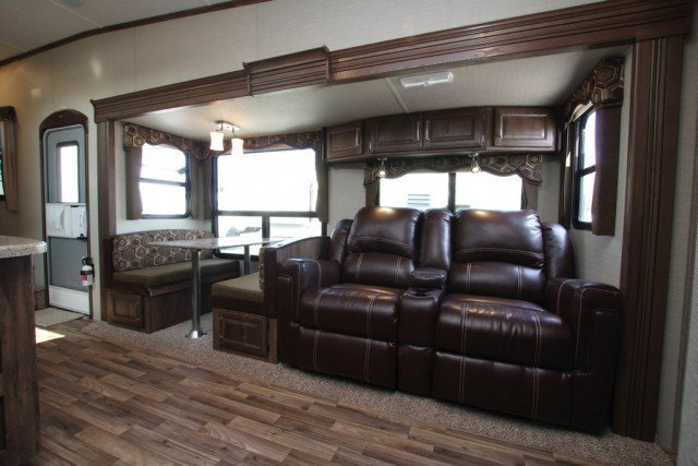 2016 Cougar 336BHS Interior Photo