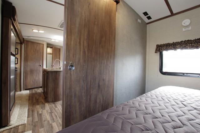 2016 Cougar Xlite 26RBI Interior Photo