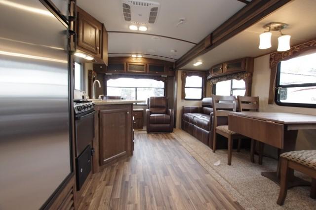 2016 Cougar Xlite 28RLS Interior Photo