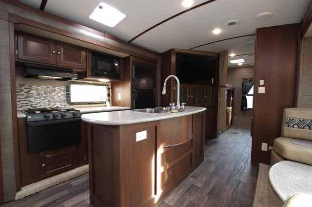 2016 Premier 34BHPR Interior Photo