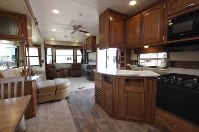 2016 Residence 405FL Interior Photo