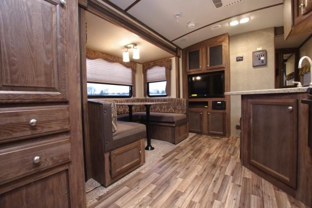 2016 Cougar Xlite 25RDB Interior Photo