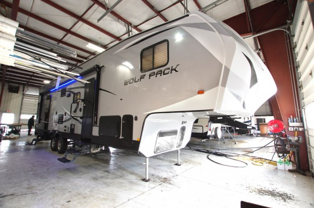 2016 Wolf Pack RVs 285pack13 5th Wheel Wo6916
