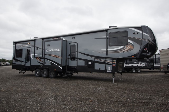 New 2016 Heartland Cyclone 4113 Toy Hauler For Sale Cy6501