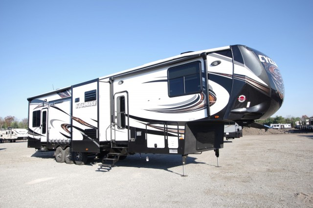 New 2016 Heartland Cyclone 4250 Toy Hauler For Sale Cy6904