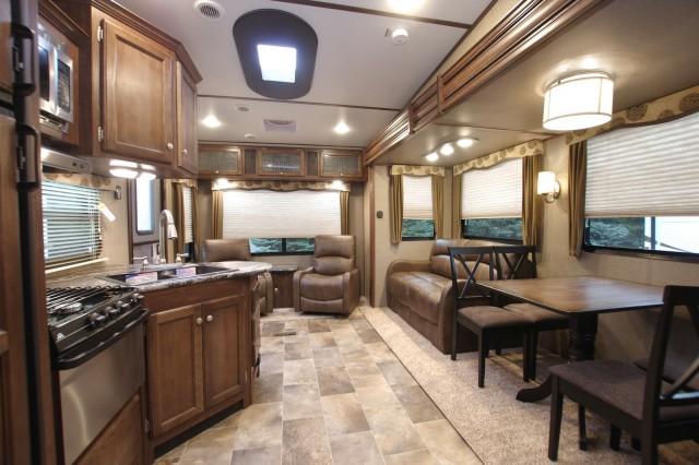 2016 Sprinter 252FWRLS Interior Photo