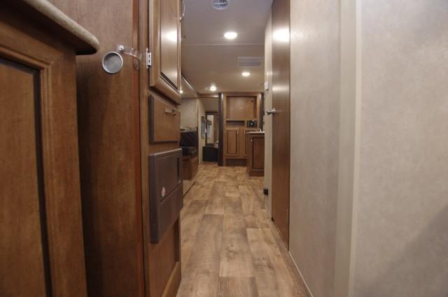 2016 Wildwood X-Lite 273QBXL Interior Photo
