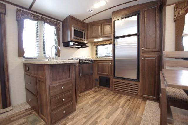 2016 Cougar Xlite 33MLS Interior Photo