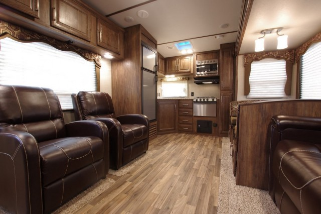 2016 Cougar Xlite 27RKS Interior Photo