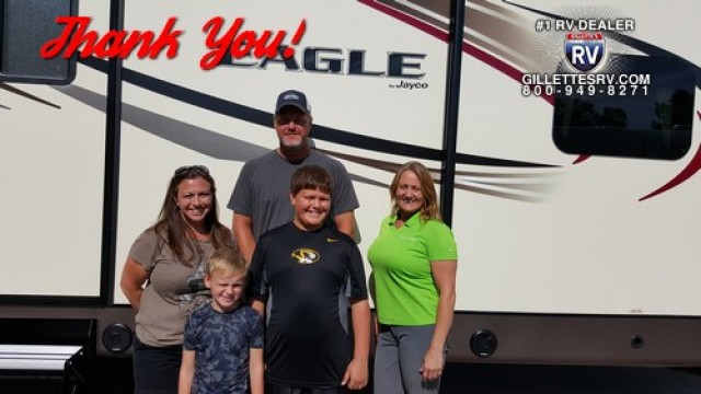 Jessica of South San Francisco, WI with their Freedom Express 282BHDS