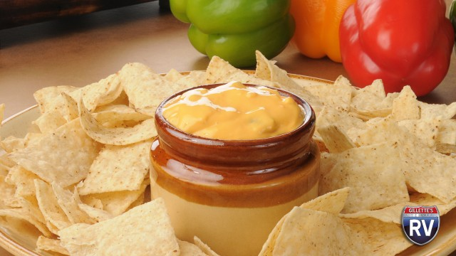 Crockpot Nacho Cheese Dip With Peppers