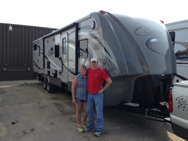 Rob of Niantic, IL with their Cougar High Country 319RLS