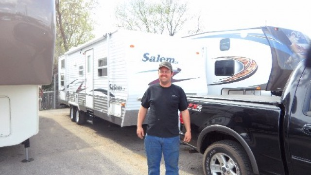 Todd Leet of Arroyo Grande, WI with their Salem 27RKSS