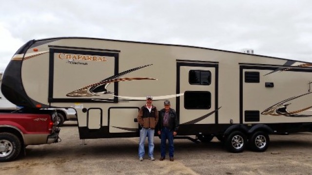 Waltman Family Janes of Wetonka, QC with their Chaparral 360IBL