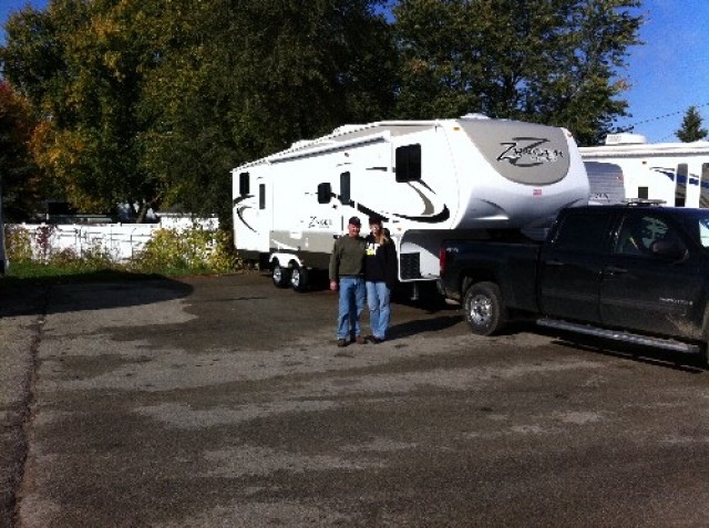 Cory Knickerbocker of Martin, BC with their Zinger ZT32RE