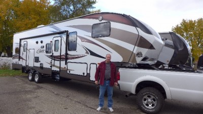Dave Chapman of Harlan, IA with their Cougar 326SRX