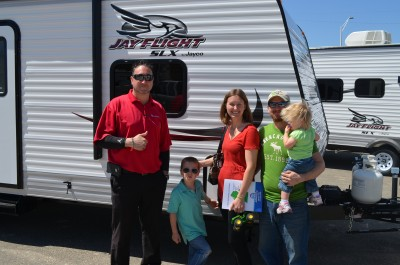 Senko Family of CLIO, MN with their Jay Flight SLX 184BH