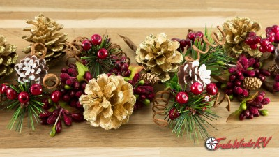 Decorate Your Home With Pinecone Garland This Holiday Season!