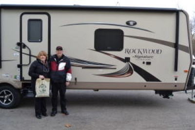 Allan of Ontario with their Rockwood Signature Ultra Lite 8329SS
