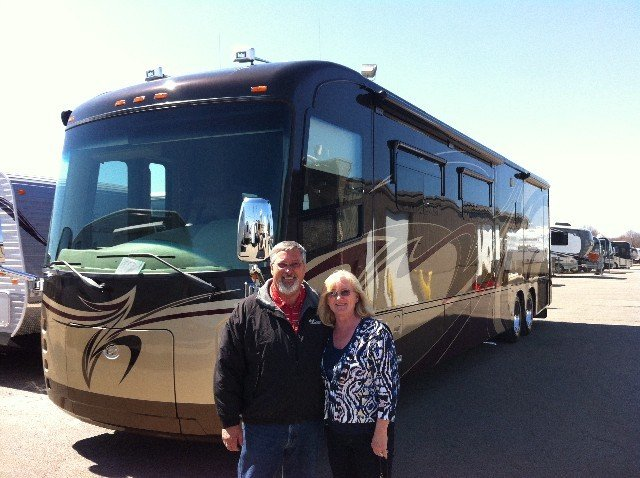 Dick and Family H of Argenta, IL with their Aspire 42RBQ