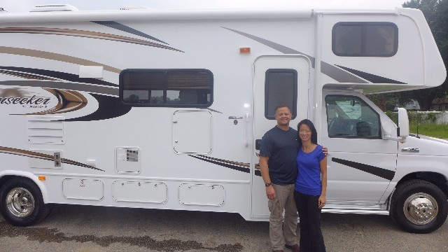 Mike Farris of Yahtahey, NM with their Sunseeker 2860DS FORD