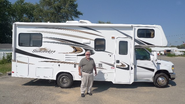 Tom Leclerc of Sioux Falls with their Sunseeker 2500TS FORD