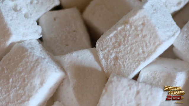 Easy Homemade Marshmallows Feature
