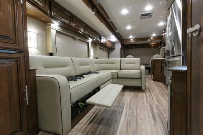2017 Georgetown XL 369DS Interior Photo