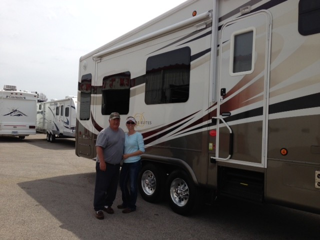 Tim Birdwell of Hidden Valley Lake, HI with their Mobile Suites 38RSB3