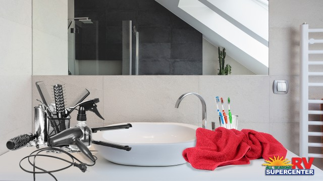 Hacks For Fixing A Cluttered Bathroom