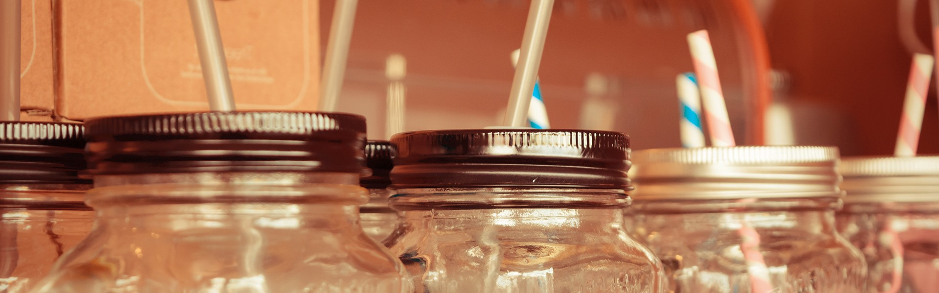 mason jars with lids for drinks