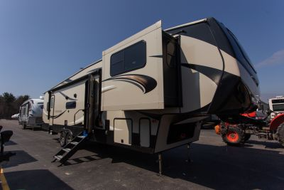 2019 Cougar 367FLS Exterior Photo