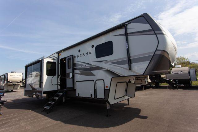 2020 Montana 3121RL - 700494