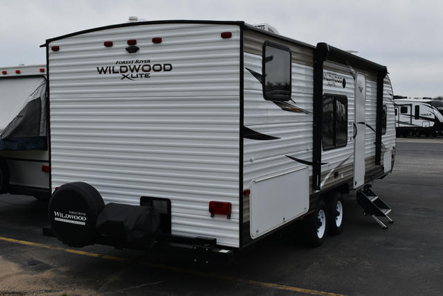 2019-wildwood-x-lite-261bhxl-photo-028