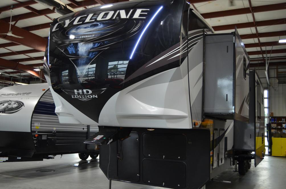 2020 Cyclone 4005