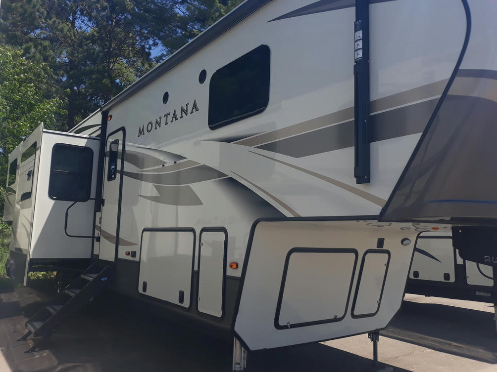 2020 Montana 3790RD