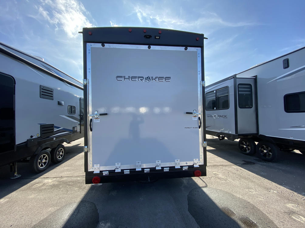 2021 Cherokee 255RRBL Black Label