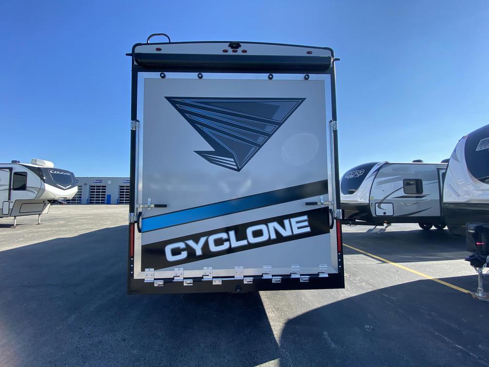 2021 Cyclone 3713