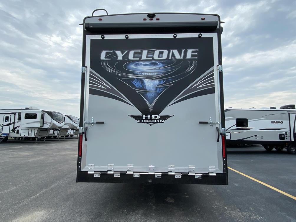 2021 Cyclone 4005