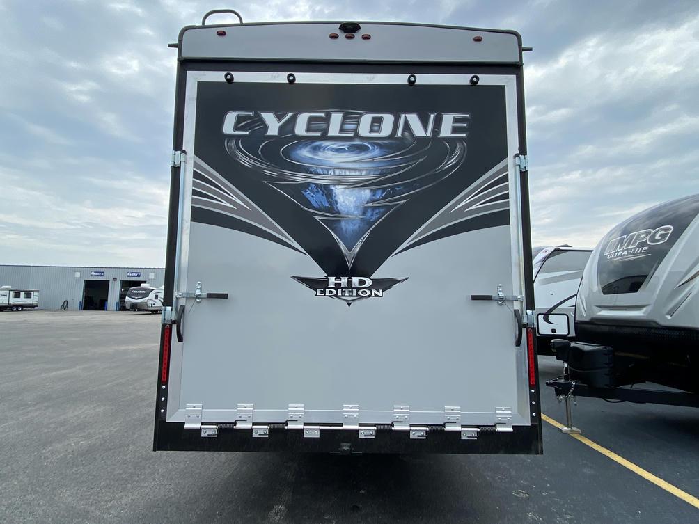 2021 Cyclone 4006