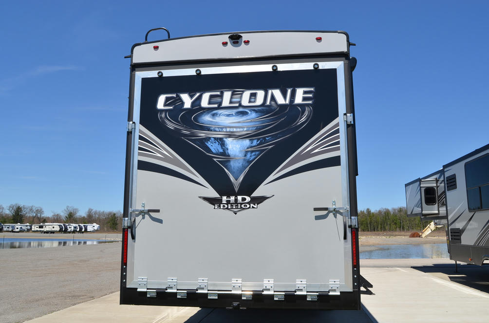 2021 Cyclone 4007