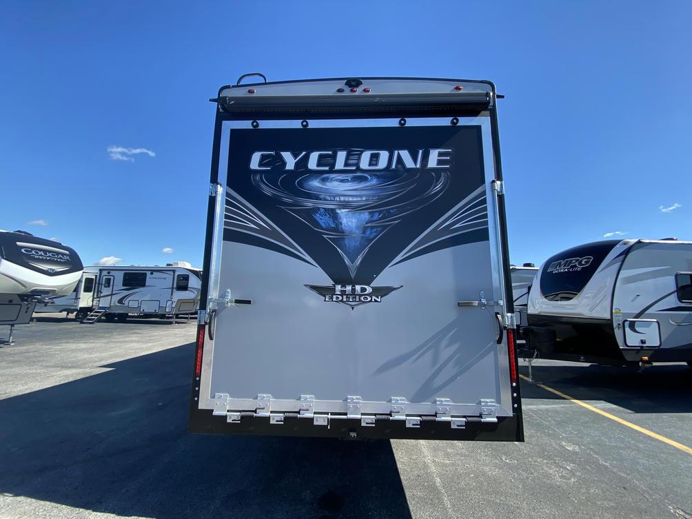2021 Cyclone 4270