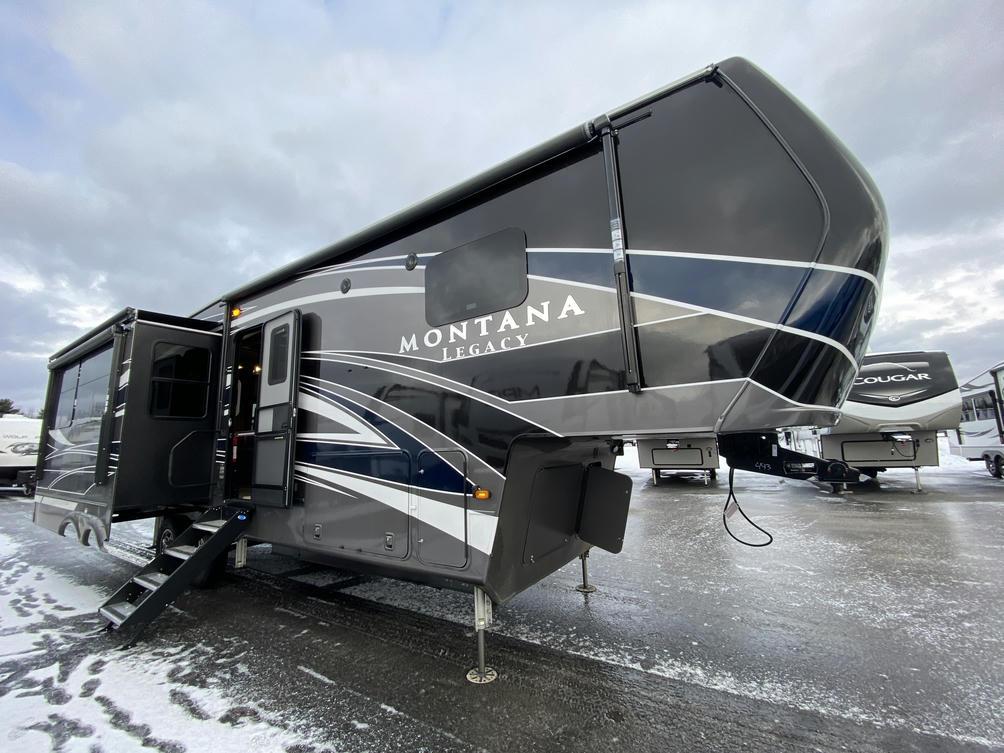 2021 Montana 3120RL