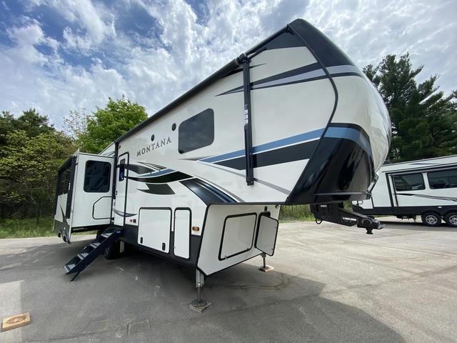 2021 Montana 3121RL - 702962
